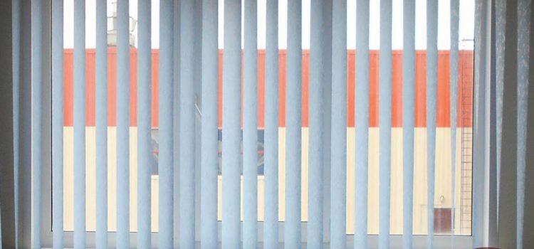 Вертикальные жалюзи — Химки, ул. Молодежная, установка рулонных штор на лоджии, Ленинградское шоссе