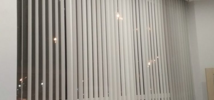Вертикальные жалюзи с декоративным карнизом — ул. Мневники, Метро Хорошево