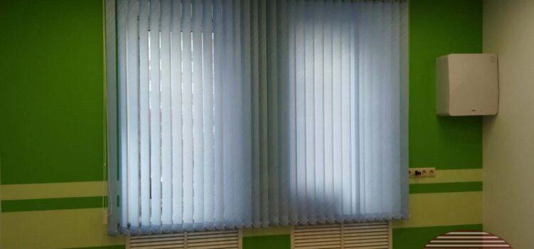 Вертикальные тканевые жалюзи для Детского центра из ткани Бали св.голубой — г.Москва, ул.Большая Академическая