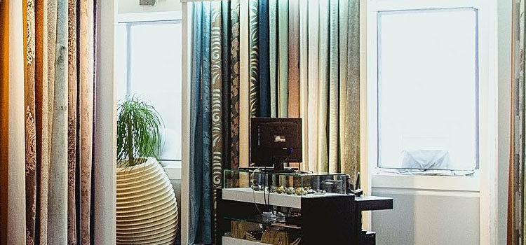 Вызов дизайнера в Москве — шторы. Выезд дизайнера по шторам со всеми каталогами тканей штор.