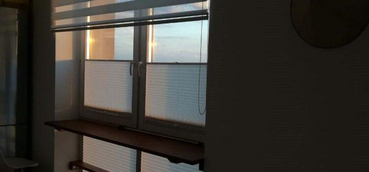 Рулонная штора Зебра и шторы плиссе — Газетный переулок