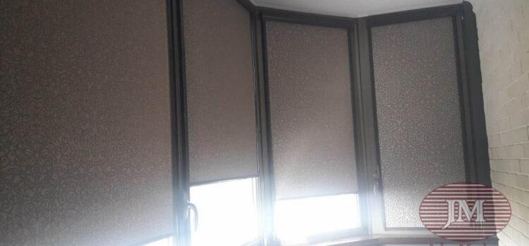 Рулонные шторы в системе UNI2, фурнитура тёмно-серая, ткань Самира коричневый — ул.Серпуховской Вал
