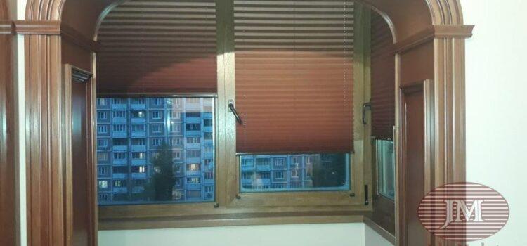 Шторы плиссе из ткани Металлик и коричневой фурнитуры — Москва, ул.Академика Королёва