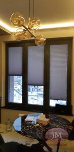 Шторы плиссе в системе Р1615 установлены в проём окна - Москва, ул.Вавилова
