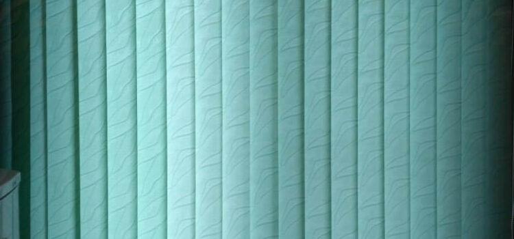 Вертикальные тканевые жалюзи на кухню из ткани РИО св.зеленый - г.Москва, ул.Окская