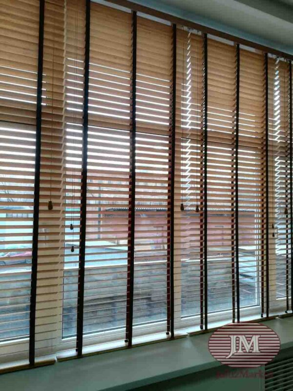 Горизонтальные жалюзи из Бамбука 50мм цвет КОФЕ с декоративной лесенкой Тигровый глаз - г.Москва, ул.Правды