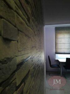 Римская штора из коллекции Arttex, установленная на стену на кухне - Москва, ул.Палехская