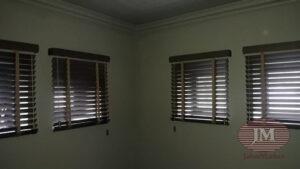 Горизонтальные жалюзи 50мм, материал Бамбук 50мм с декоративной тесьмой Тигровый глаз