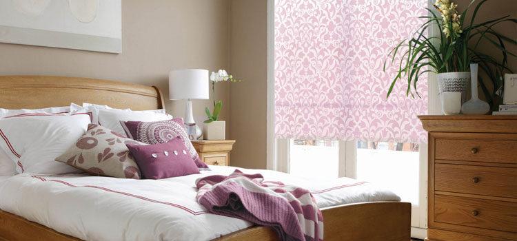 Жалюзи и рулонные шторы для спальни